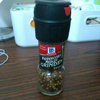 味好美自磨式七彩胡椒粒