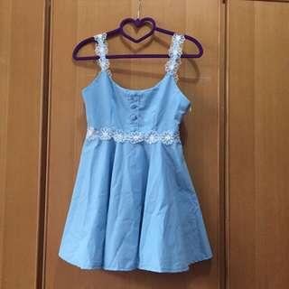 夏季洋裝 有四件往右滑 都100