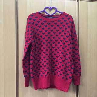 紅底黑心針織毛衣