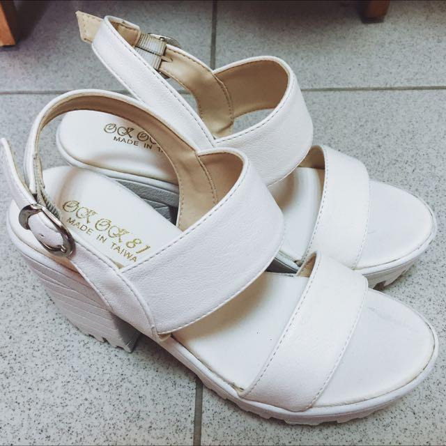 韓版高跟23.5號白色涼鞋