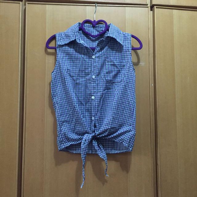 夏季洋裝 衣服  牛仔 有四件往右滑 都100