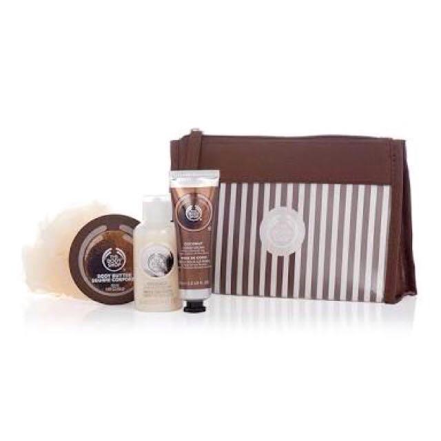 Body Shop Coconut Beauty Bag