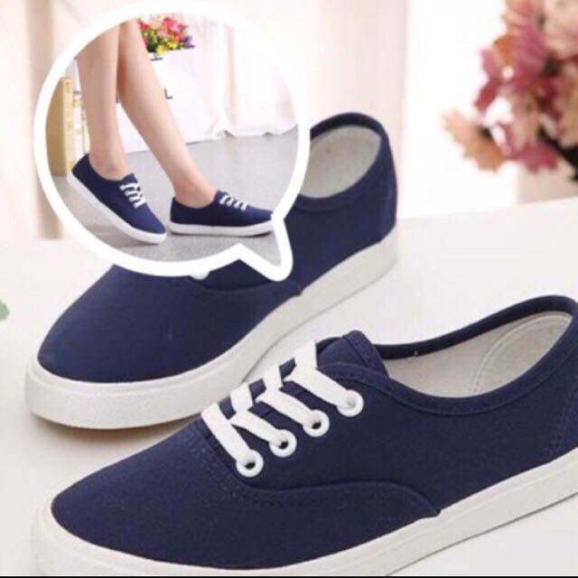 Canvas lace-up Sneakers in Navy Blue