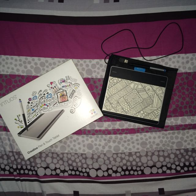 Intuos Wacom Pen & Touch Tablet