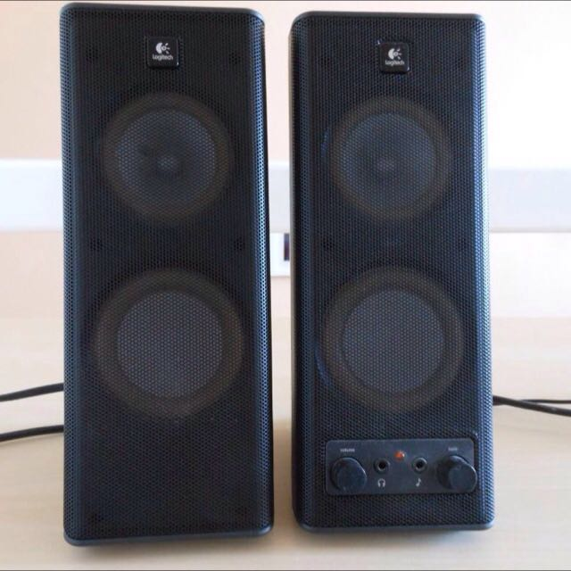 Logitech X140 Speakers With Mini USB Speakers