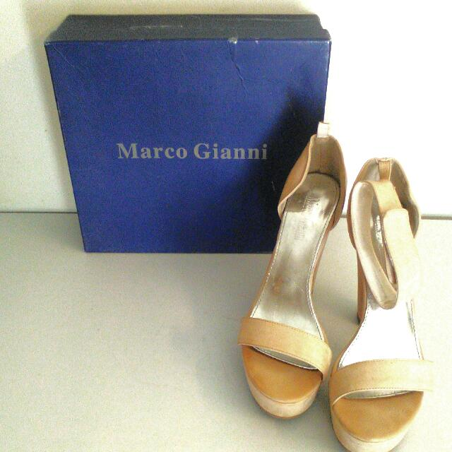 Marco Gianni's Size 41 Beige One Strap