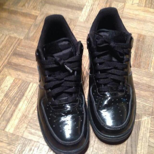 NIKE - AIR FORCE LOW PATENT LEATHER -- size 8