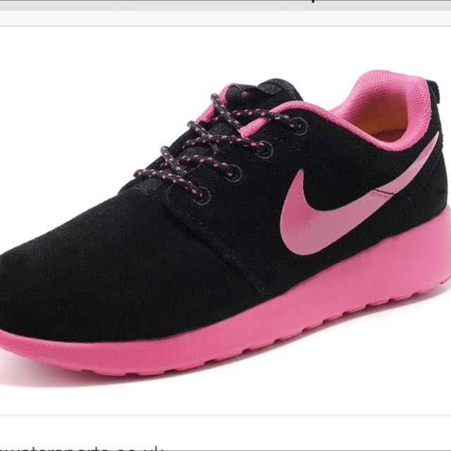 8e4969769ef3 Nike Roshe Run Black And Pink