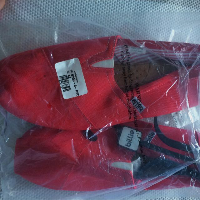 Red Billie Shoes Sz42 New