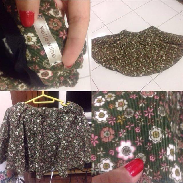 RePrice!! Mini Skirt By Yellowline