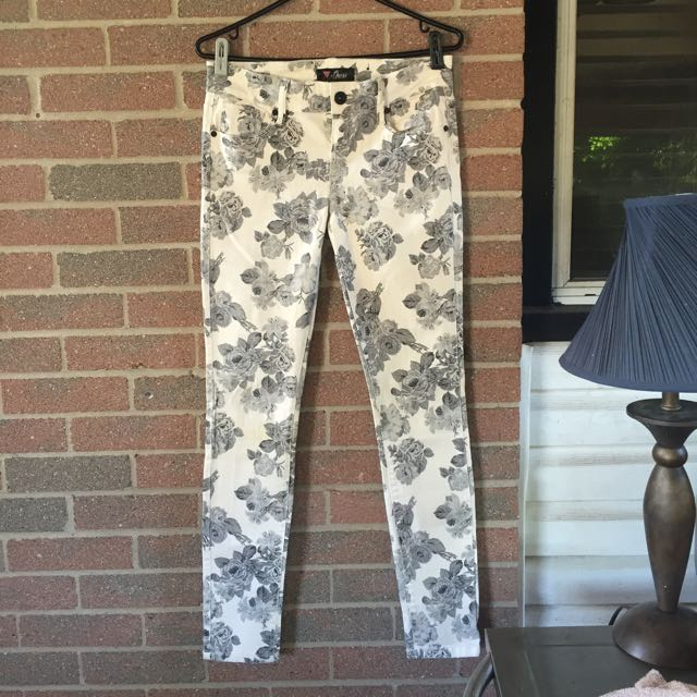 Rose Printed Guess Jeans