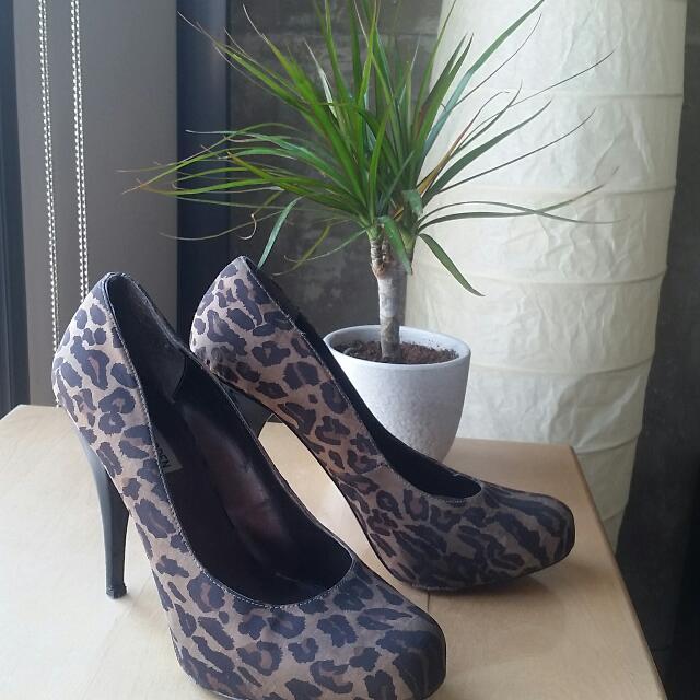 "Steve Madden Leopard Print 4"" Heels Size 9"
