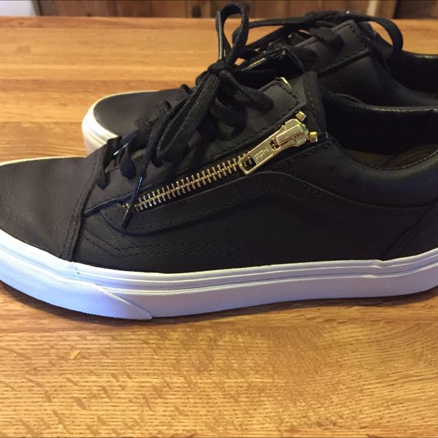 PRICE REDUCED Vans Old Skool Leather Zip Shoes Size 7.5