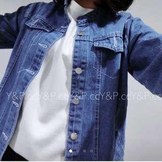 淺藍牛仔外套