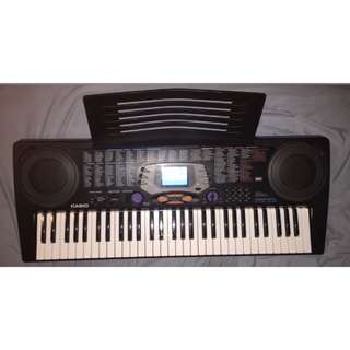 Keyboard With Detachable Music Sheet Holder