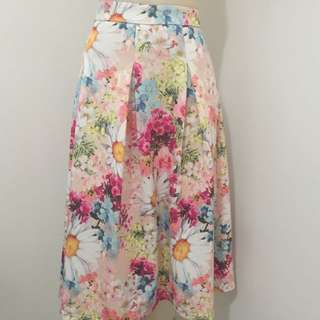 Size M Floral Skirt (Valleygirl)