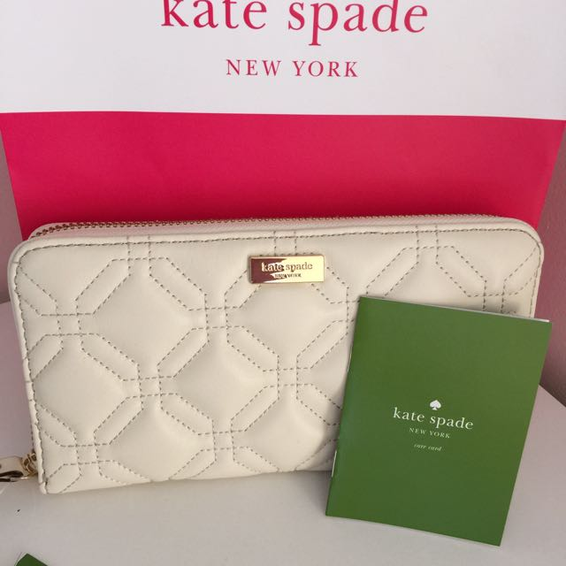100% Authentic Kate Spade Zip Wallet in Quilted genuine Leather
