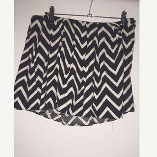 Chevron Print Black and White Shorts