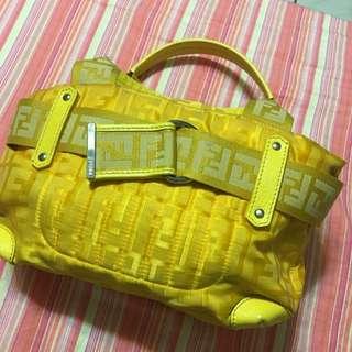 FENDI 黃色小手提包