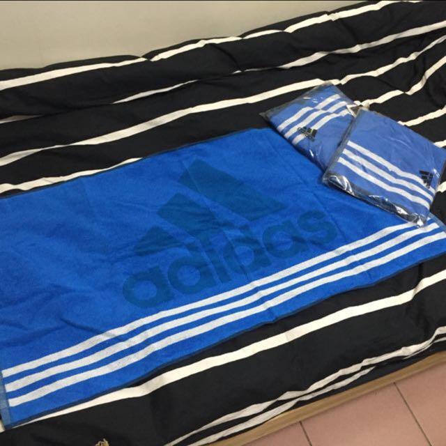Adidas 藍 大毛巾
