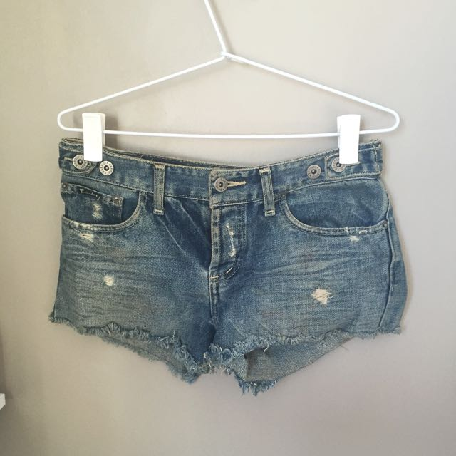 BARDOT MINI DENIM SHORTS ⭐️