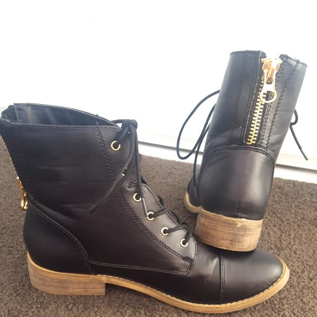 Betts Boots Size 9 *NEW