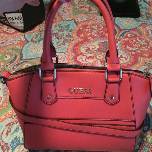 Guess Purse. Coral