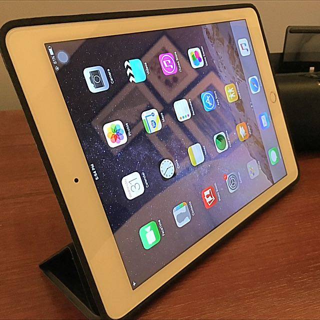 *RESERVED* iPad Air 2, 64gb, Silver