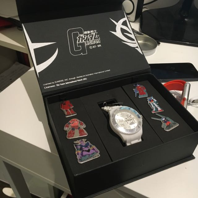 (Limited 2500)The Years Limited Gundam Watch