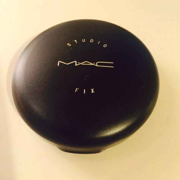 MAC Studio Fix Plus Foundation NW35