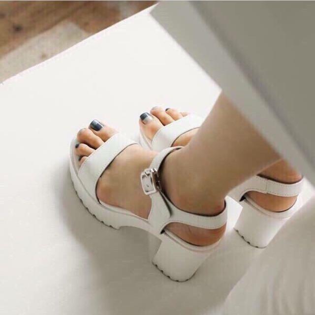 Nanda Style Shoes