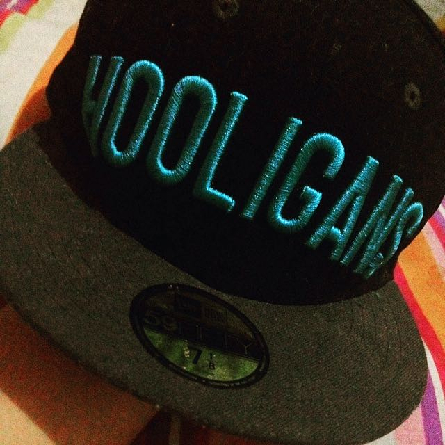 "New Era ""HOOLIGANS"" Bull Cap"