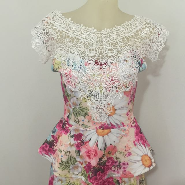 Peplum Style Floral Top Size 8