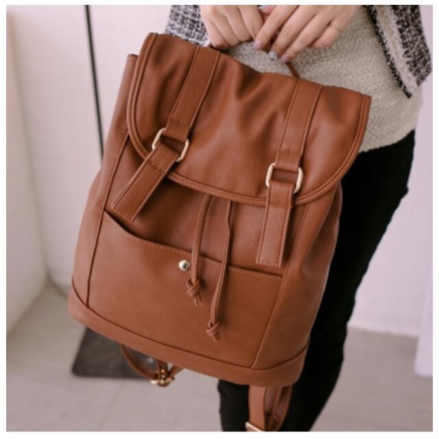 【PG美人網】簡約風情皮帶釦後背包