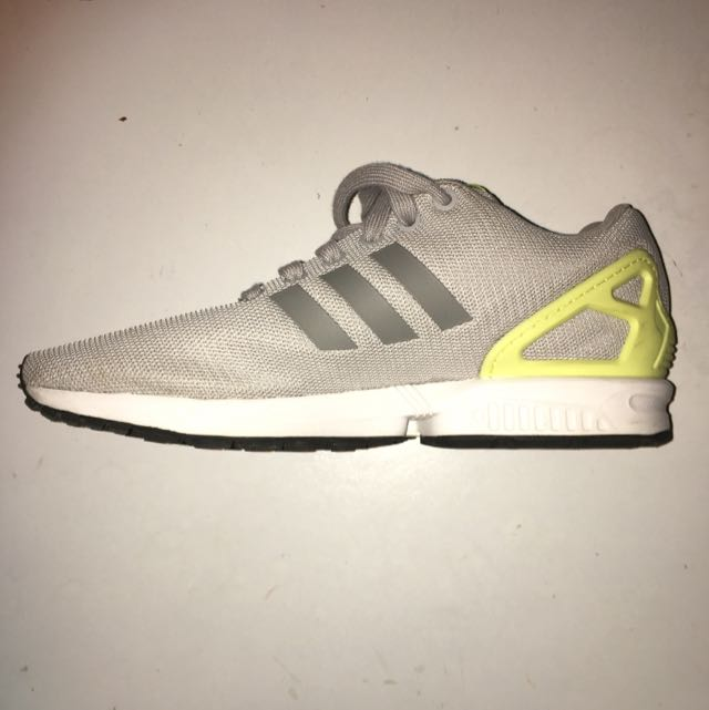 Size 9 Adidas ZX Flux Worn Once Great Condition