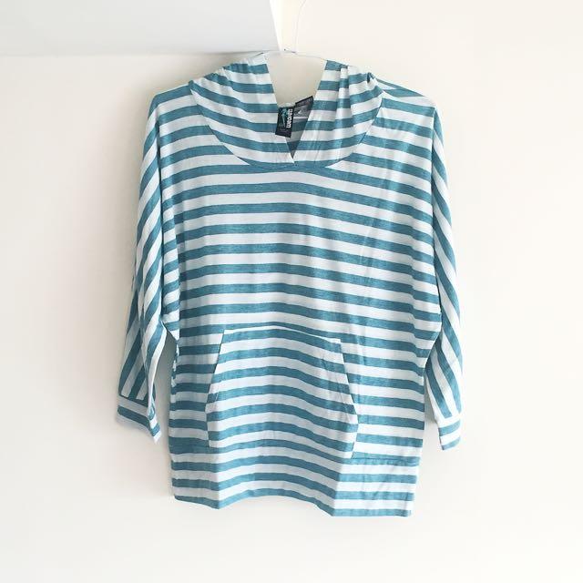 藍色條紋連帽七分袖T