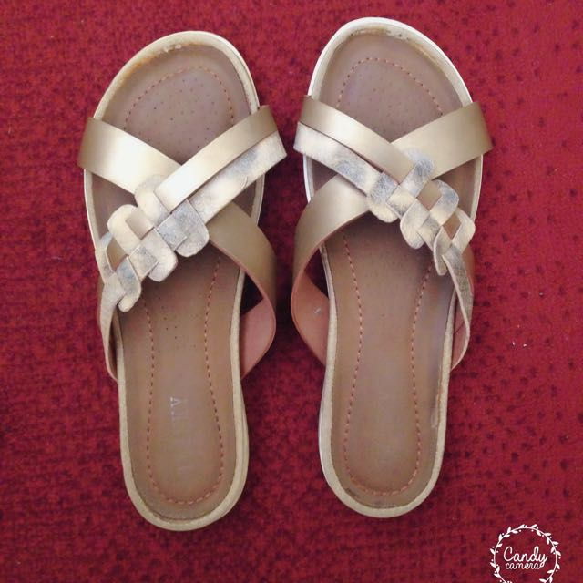 🎈Repriced🎈Twinky Gold Sandals