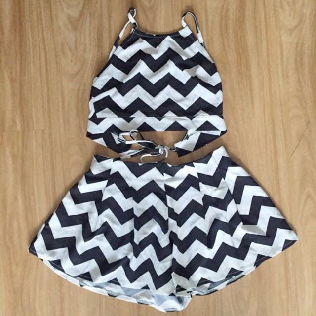 Two Piece Crop Set Size 8/10