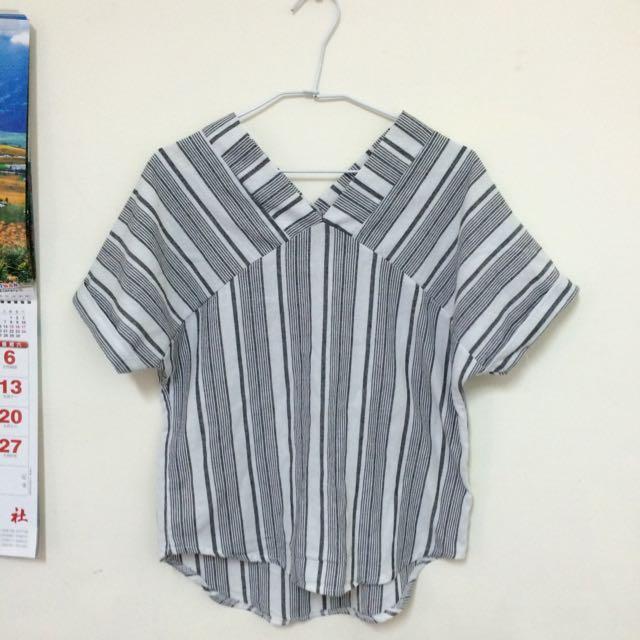 (含運)灰白直條紋v領棉麻襯衫