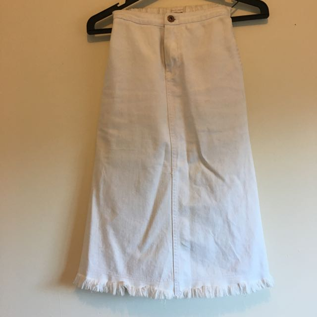 White Denim Frayed Edge Skirt Size 06
