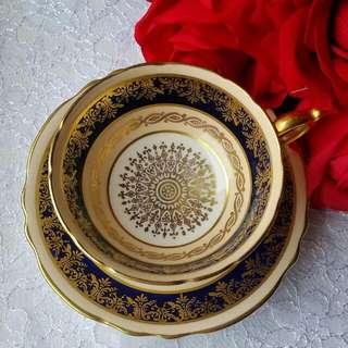 維多利亞的時光旅行~ 英國絕版手繪名瓷古董金色滿版手繪杯盤組Paragon