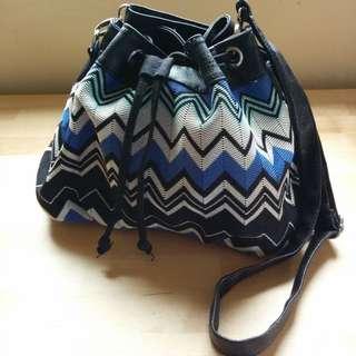 Small blue zig zag stripe shoulder bag