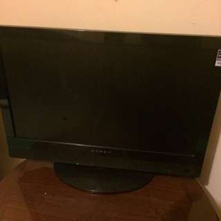 "black dynex flat screen tv  ""19"