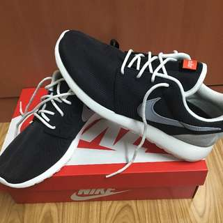 NIKE ROSHE ONE RETRO WMNS US 9