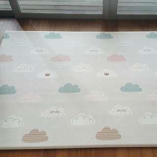 Large Parklon Playmat  - Cute Clouds / Stars *Almost Brand NEW*