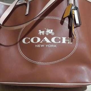 Coach 大托特 肩背包