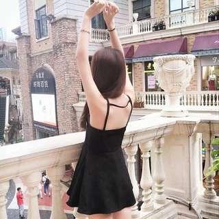 黑色連衣裙