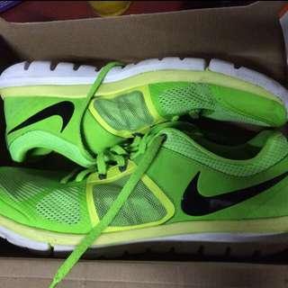 Sepatu Nike Flex