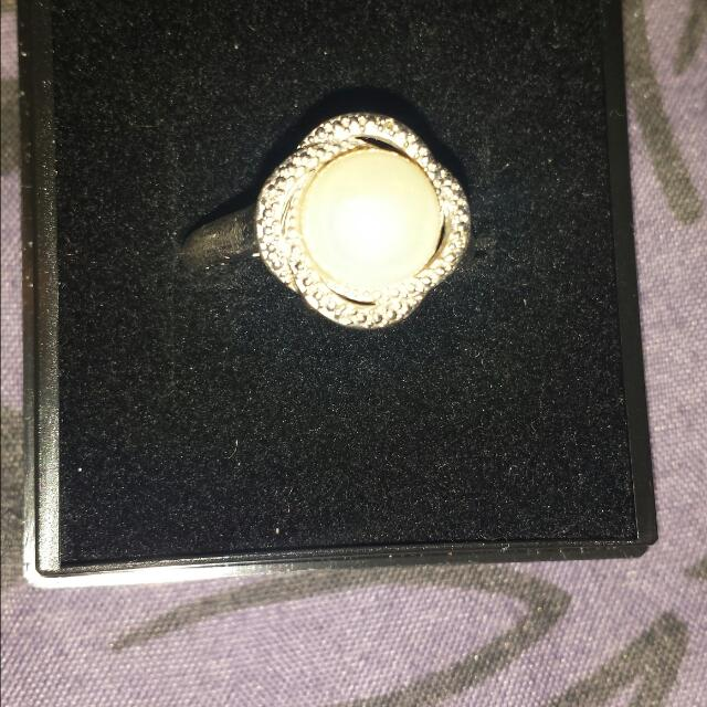 925 SILVER  Pearl Ring Size 7