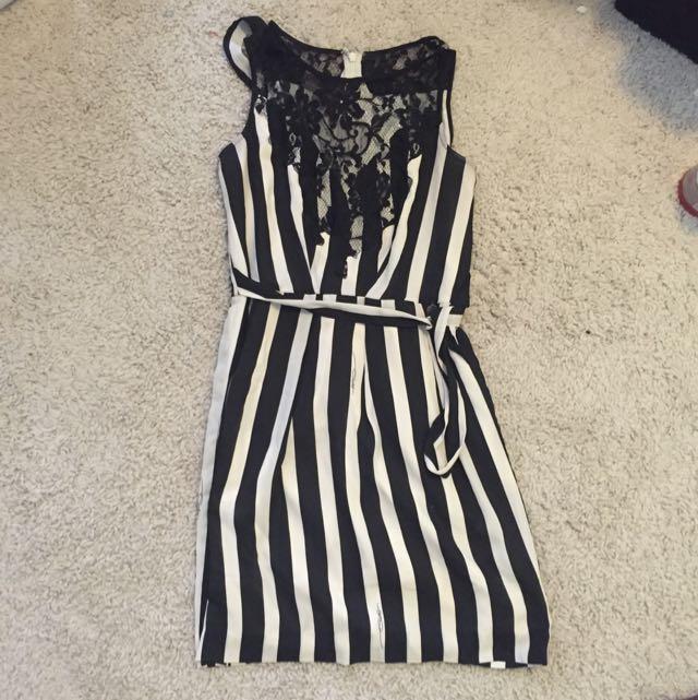 Guess Dress! (Xs)